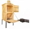 Bytelná dřevěná udírna o celkové výšce 180cm a šíři 60cm